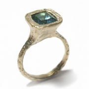 Etched 9ct yellow gold band set with cushion cut blue tourmaline