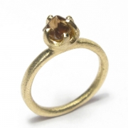 9ct yellow gold band set with brown rough cut diamond
