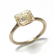 Etched band set with princess cut white diamond