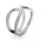 18-carat-white-gold-pave-diamond-ring-3-1024x708