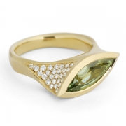 Asymmetric-18-carat-gold-and-marquise-green-diamond-ring-1024x708