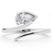 White-pear-cut-diamond-and-platinum-ring-1024x708