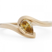 Yellow-pear-diamond-and-rose-gold-ring-1024x708