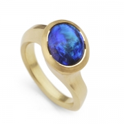 lightning-ridge-opal-and-yellow-gold-ring-1024x708