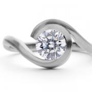 platinum-engagement-ring-with-0-9-carat-brilliant-white-diamond-1024x707