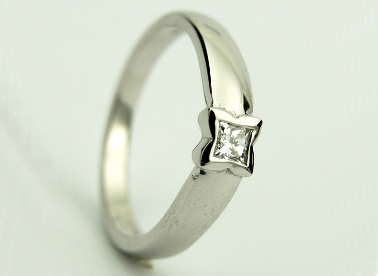 ENGAGEMENT RING BY KEITH GORDON