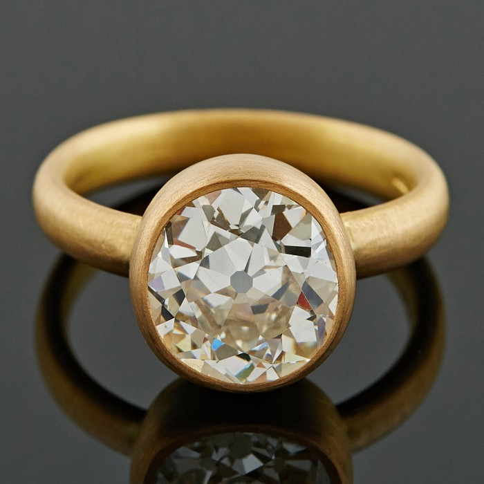 4ct Cushion Diamond Ring, 22ct Gold