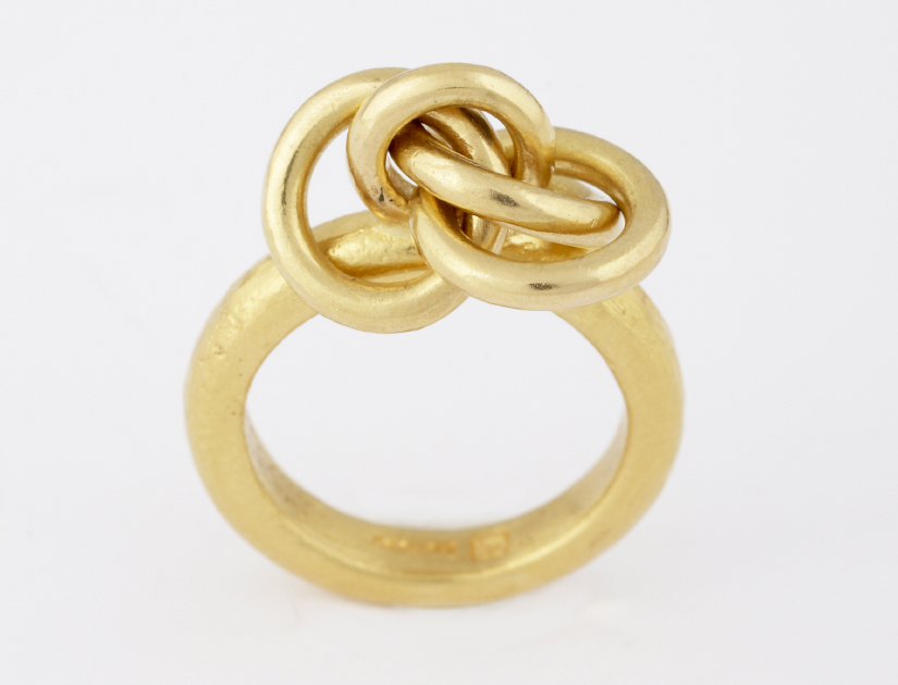 knot ring, 22ct gold,