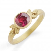 18 Ct Yellow Gold and Ruby Ring