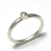 9ct white gold band set with brilliant cut white diamond