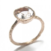 Etched 9ct rose gold band set with cushion cut morganite